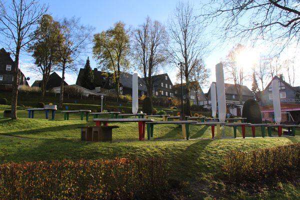 Aussicht auf den Kurpark in Winterberg mit der Billiard-Golf Pit Pat Anlage.